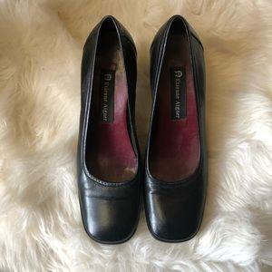 Etienne Aigner Black Bloom Squared Toe Heels Sz 6M